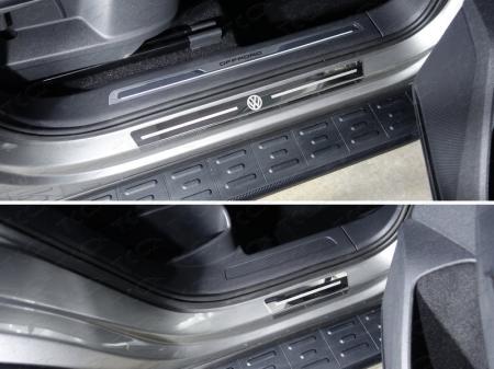 Volkswagen Tiguan 2017- Накладки на пороги внешние (лист зеркальный логотип VW) 4шт